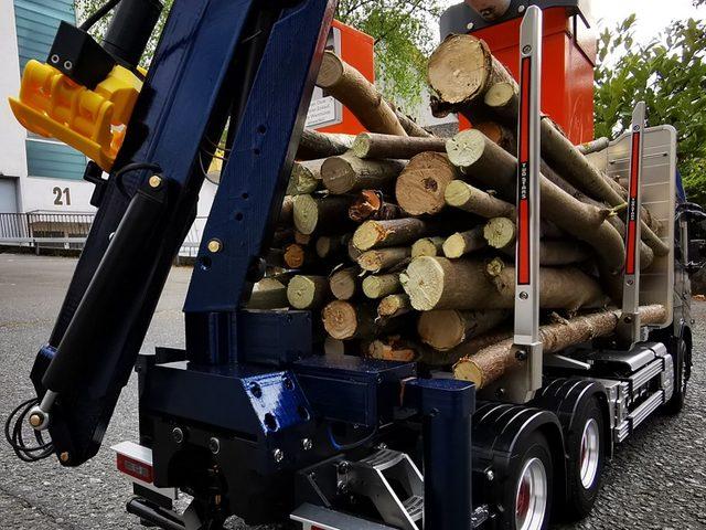 Klapp- und Holzladekran von Modellbau Müller