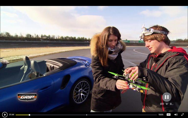 Drohne gegen Sportwagen – Duell bei GRIP