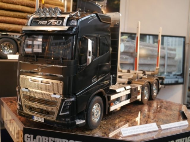 volvo fh 16 holztransporter von tamiya trucks details. Black Bedroom Furniture Sets. Home Design Ideas