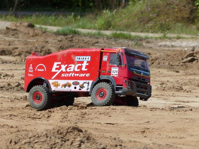 RC4WDs Dakar-Rally-Truck von RC-Welt.eu im Video