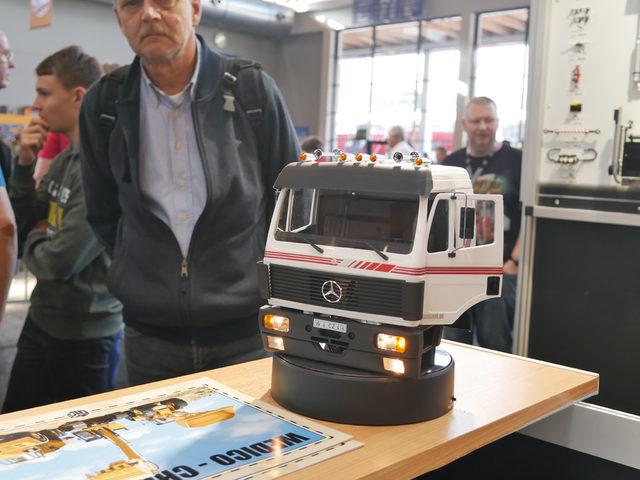 Mercedes SK-Fahrerhaus bei Wedico-models