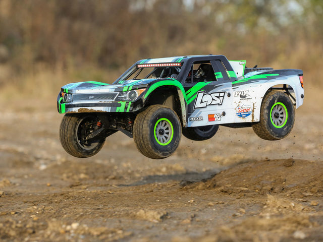 VIDEO: Losi Super Baja Rey