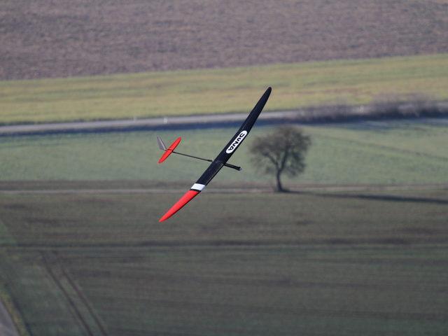 Testbericht zum Juna von Sansibear auf www.flugmodell-magazin.de