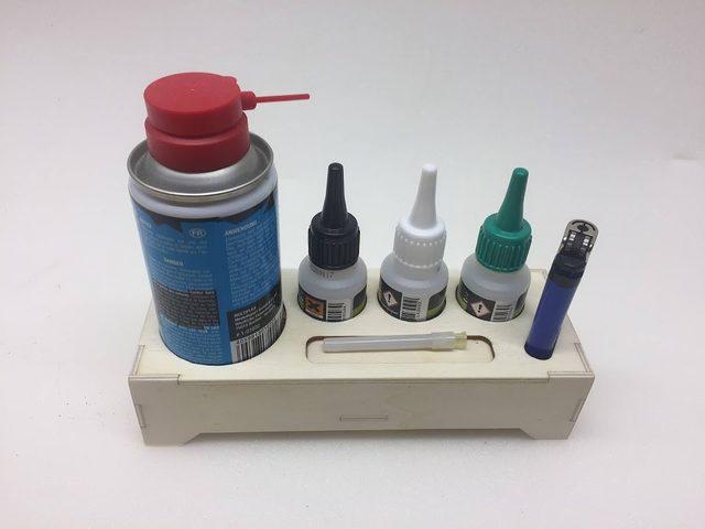 Klebestation für Modellbauer