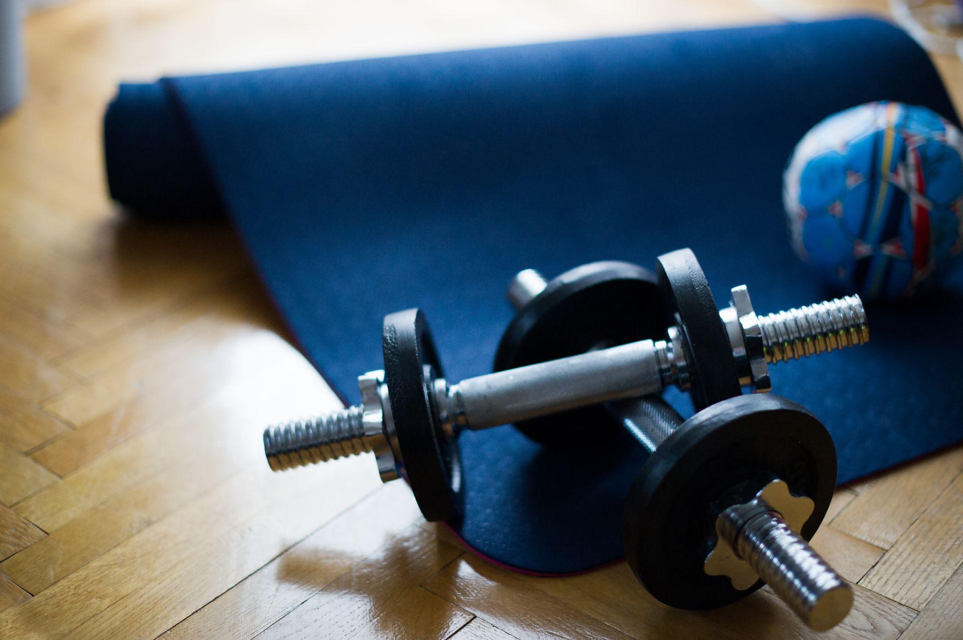 Individuální trénink napříč prvními ligami mužů a dorostenců: Šance na zlepšení kondiční připravenosti i herní výpadek, který se možná nepodaří dohnat