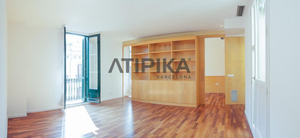 """90sq m impeccable flat in front of """"Parc de la Ciutadella"""""""