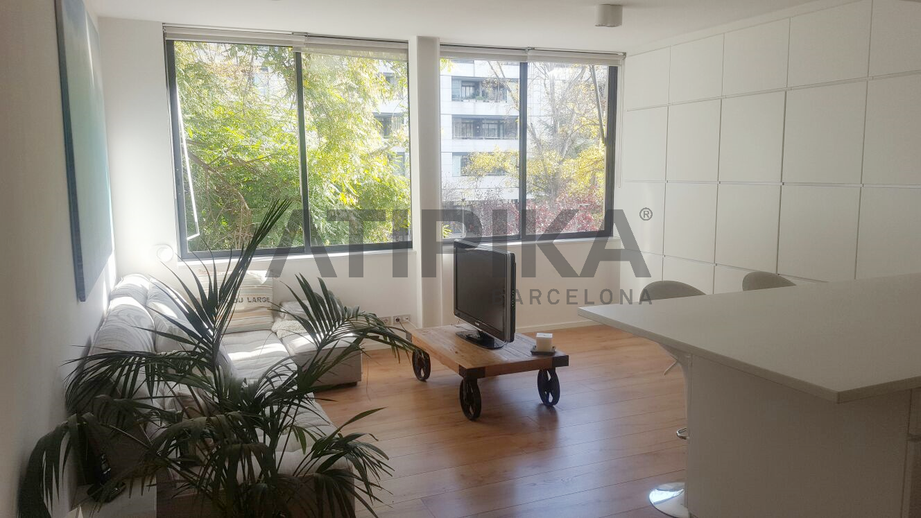 Spectacular refurbished duplex with parking space close to Ciutadella park