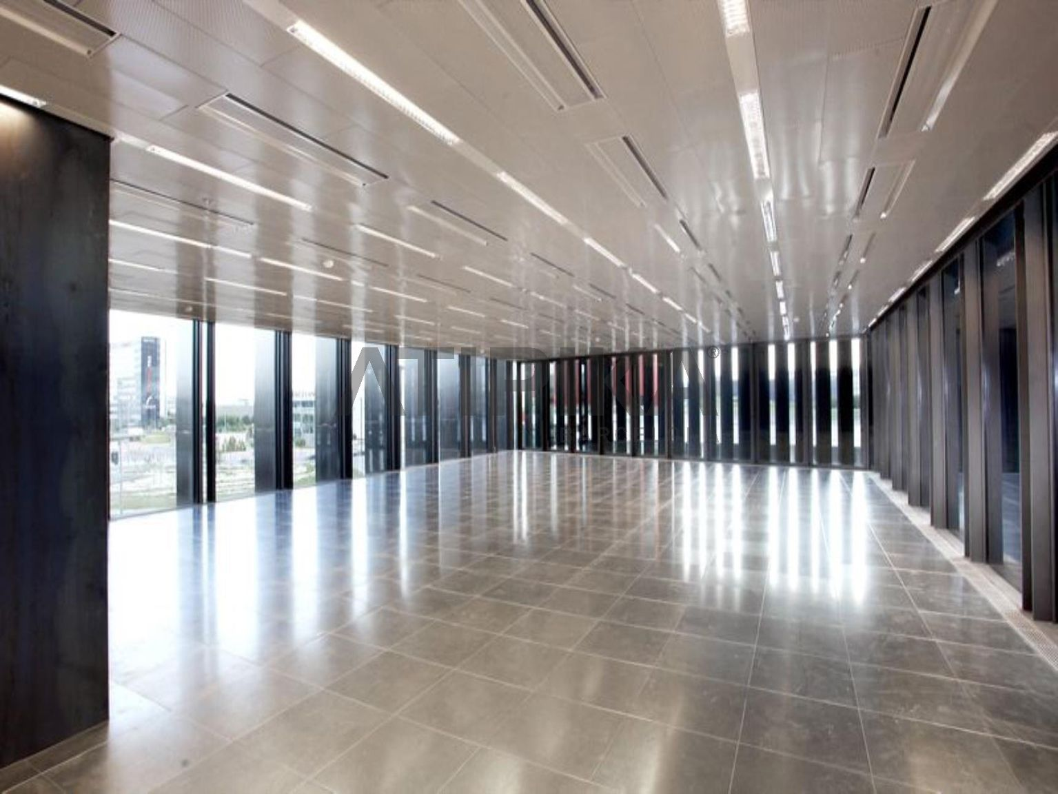 Bright refurbished office next to Fira de Barcelona-Gran Via
