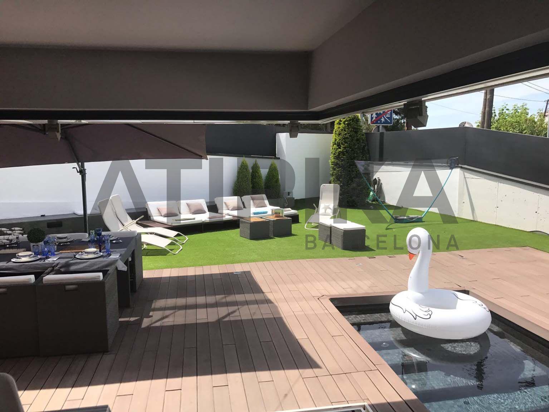 Espectacular casa de lloguer temporal amb jardí i piscina en Vallvidriera
