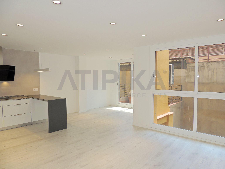 Amplio piso reformado junto al Parc de Joan Miró