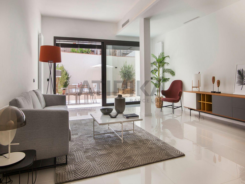 Elegant pis amb espectacular terrassa i piscina privada a la Vila de Gràcia