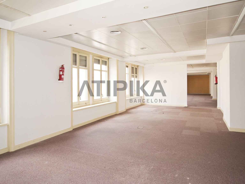 Oficina diáfana totalmente reformada en Passeig de Gràcia