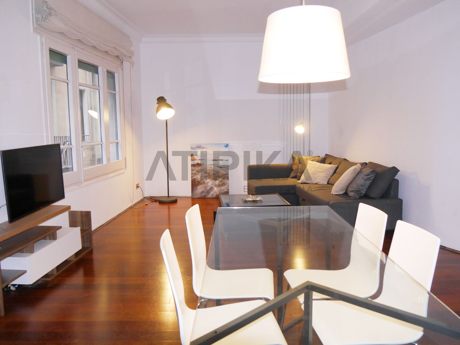 Fantastic designer flat in a historic property next to 'Port Vell'