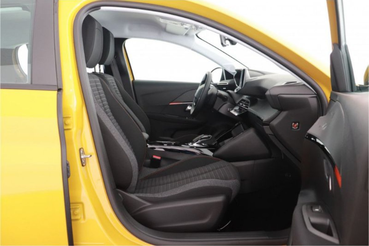 Peugeot 208 E-208 | Active | 3 Fase | 8% | 2.000,- Subsidie