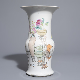 A Chinese qianjiang cai yenyen vase with antiquities design, 19th/20th C.