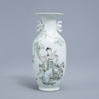A fine Chinese qianjiang cai vase with a lady in a garden, 19th/20th C.