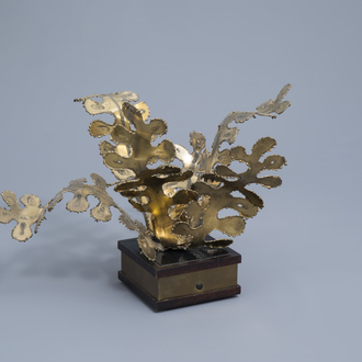 A decorative centrepiece with floral design in the Maison Charles manner, 20th C.