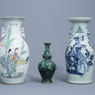 Three Chinese famille rose, blue, white and monochrome green vases, 19th/20th C.