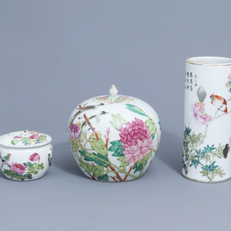 A Chinese qianjiang cai hat stand, a ginger jar and a bowl and cover with birds among blossoming branches, 19th/20th C.
