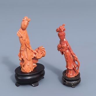 Two Chinese carved red coral figures of a lady, 19th/20th C.