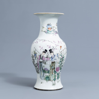 A Chinese famille rose double design yenyen vase, 19th/20th C.