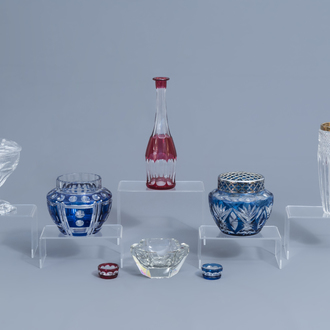 A varied collection of glass and crystal items, a.o. Val Saint Lambert, 20th C.