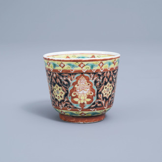 A Chinese Thai market Bencharong wine cup, 19th C.