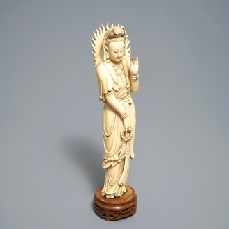 A Chinese carved ivory figure of Guanyin, 19th C.