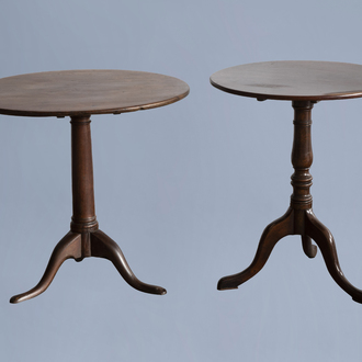 Two round English wooden tilt top tables, 18th C.
