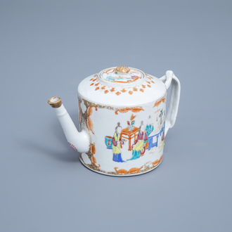 A Chinese famille rose teapot and cover with Mandarin ladies, Qianlong/Jiaqing