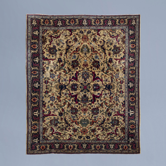 An Oriental Petag or Benlian style Tabriz rug with floral design, wool on cotton, Northwest Persia, ca. 1920