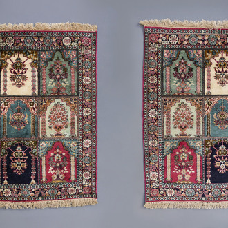 A pair of Oriental rugs with floral design, Kashmir, 20th C.