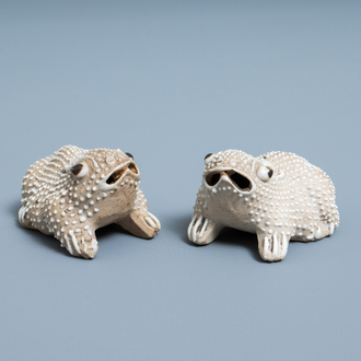A pair of Chinese biscuit models of frogs or toads, Kangxi