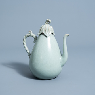 An exceptional Korean celadon glazed ewer and cover, Goryeo, 13th/14th C.