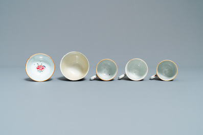 Ten Chinese famille rose and verte cups and eight saucers, Yongzheng and later