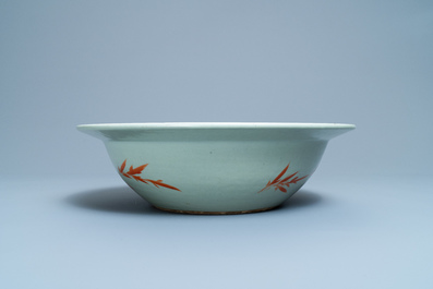 A large Chinese famille rose celadon-ground bowl, 19th C.