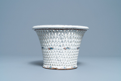 A large Brussels faience reticulated basket with 'à la haie fleurie' design, 18th C.
