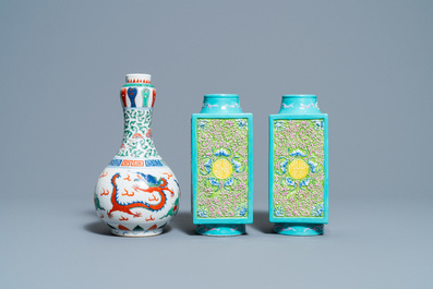 A pair of Chinese 'cong' vases and a wucai 'dragon' vase, 19/20th C.