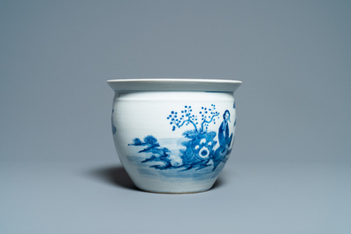 A Chinese blue and white jardinière and two famille verte bowls, 19/20th C.