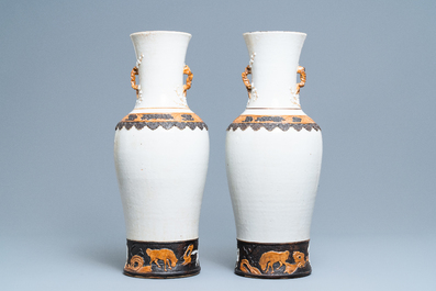 A pair of Chinese Nanking crackle-glazed vases with Li Tieguai, 19th C.