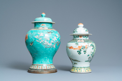 Two Chinese famille verte vases and covers, 19th C.