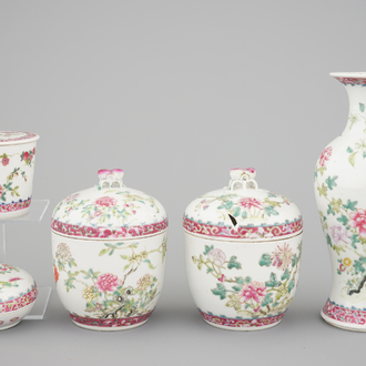 A nice set of Chinese famille rose Peranakan straits porcelain, 19/20th C.