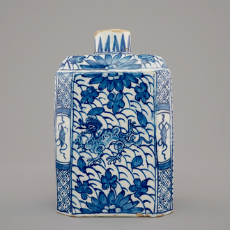 A Dutch Delft chinoiserie tea caddy, 18th C.