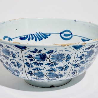 A large Dutch Delft blue and white floral bowl, 18th C.