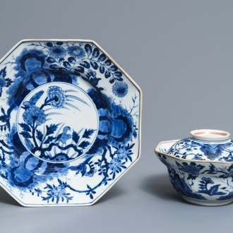 A Japanese blue and white covered bowl on stand, Arita, Edo, 17/18th C.