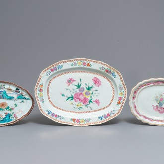 Drie grote ovale Chinese famille rose schotels, Qianlong