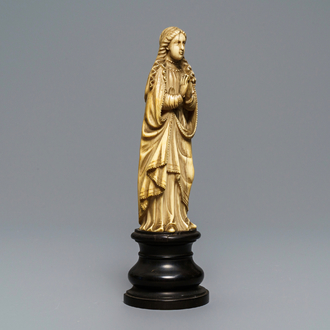 An Indo-Portuguese carved ivory figure of the Madonna, Goa, 18/19th C.