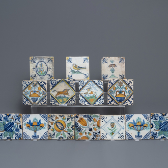 Sixteen polychrome Dutch Delft tiles with birds and flowers, 16/17th C.