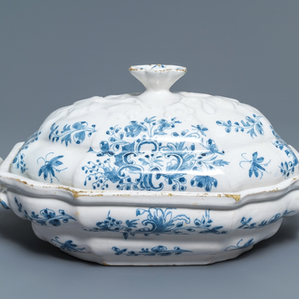 A blue and white Brussels faience tureen and cover, 18th C.