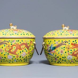 A pair of Chinese famille rose tureens and covers with dragons and phoenixes, 19th C.